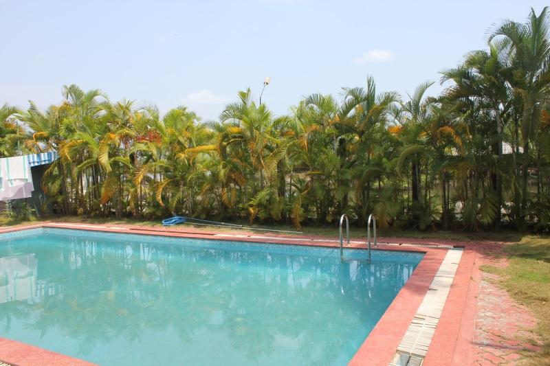 Swimming Pool at Country Club Kochi