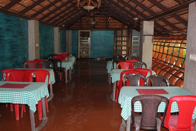 Party dining hall at Country Club Kochi - Rock Springs