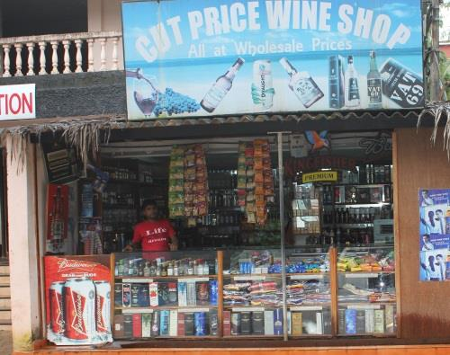 Wine shop in Maizons Lakeview Resort