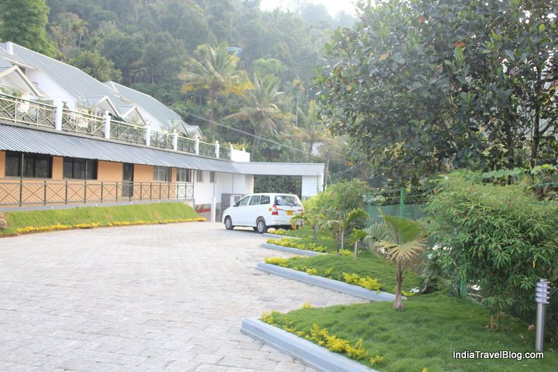Munnar Tea Country Resort - Parking space