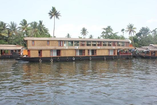 Long houseboat in Alappuzha