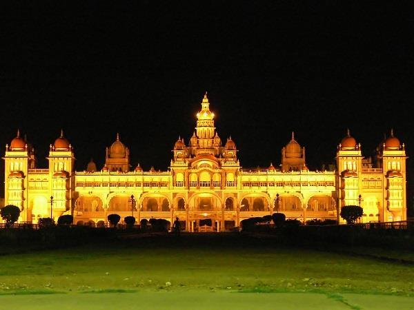 mysore-palace-1584546_1280