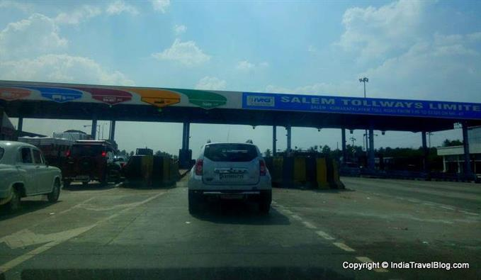 Toll gates in Bangalore to Kochi highway