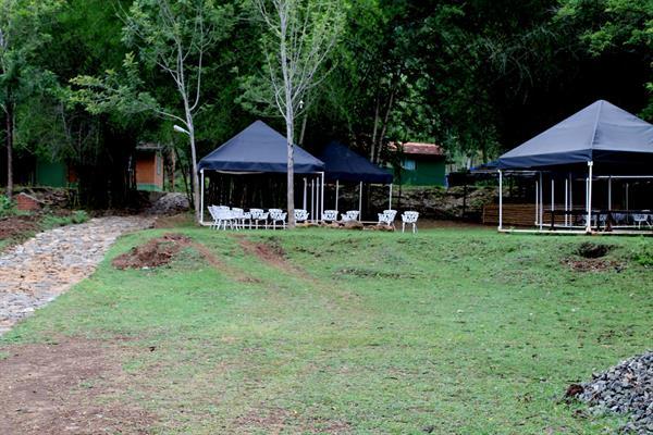 De Rock Jungle Living Resort
