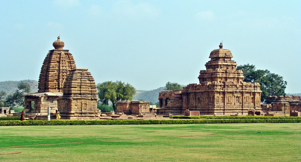 Pattadakal tourist place in bangalore