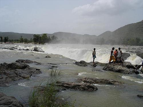 Hogenakal Falls tourist place in Karnataka
