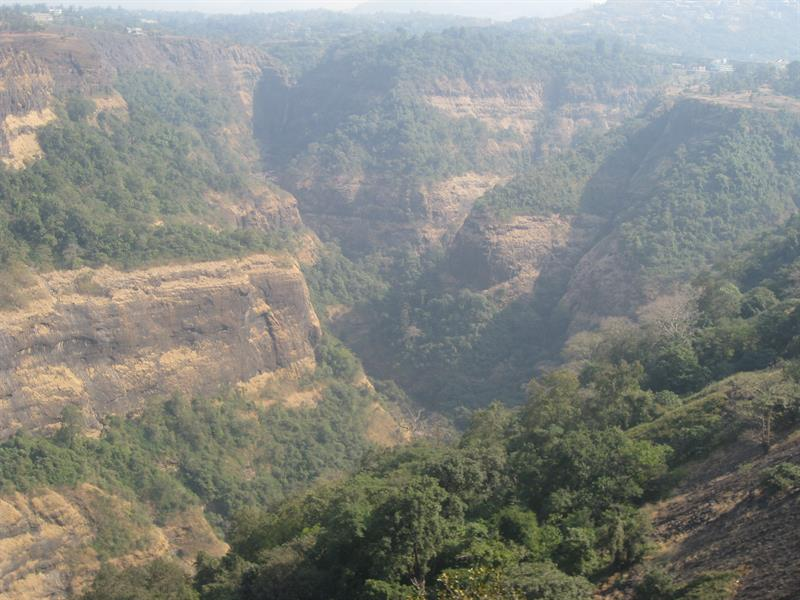 Khandala best tourist place in maharashtra