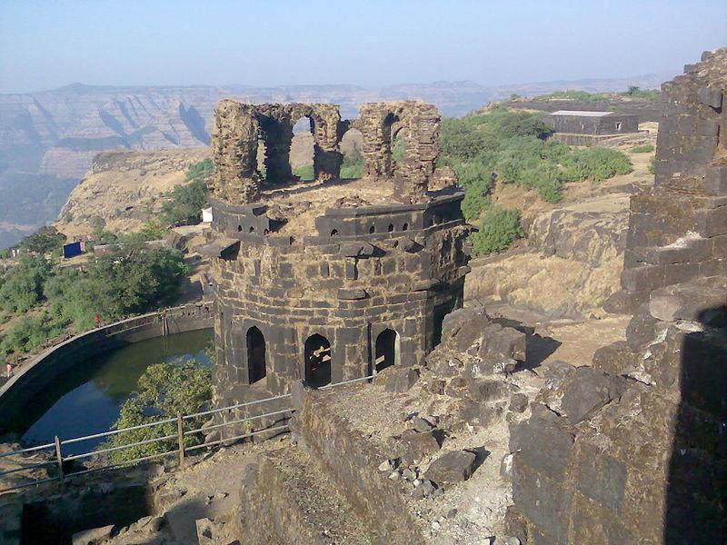 Raigarh Fort Mahad tourist place in maharastra