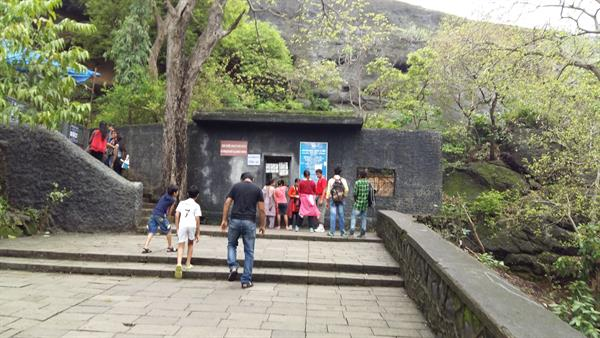 outside view of Kanheri caves