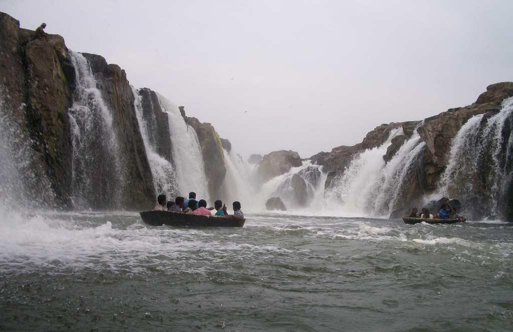Hogenakkal-Falls-Tamilnadu