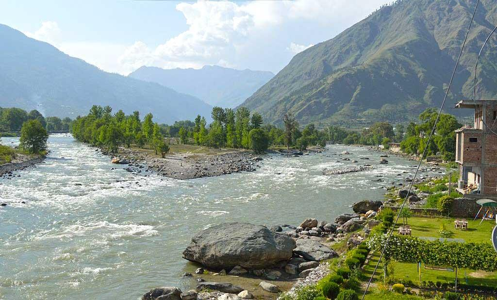 Confluence River Beas and River Parvati