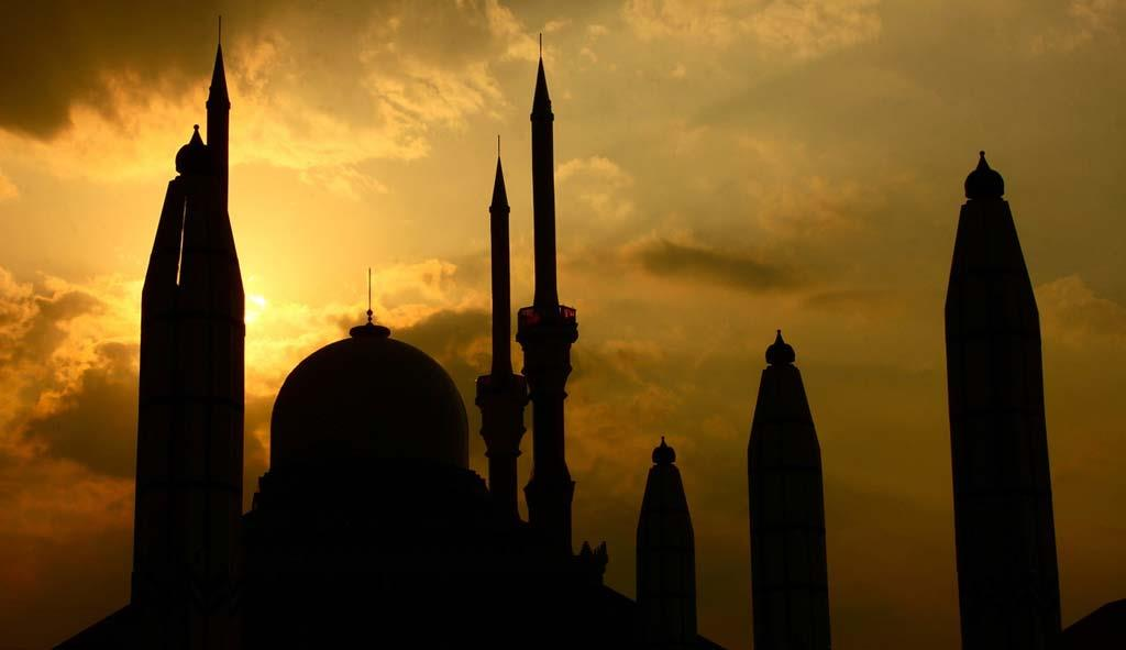 Mosque-building-in-sunset