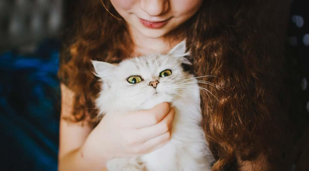 girl-with-a-young-pussy-cat