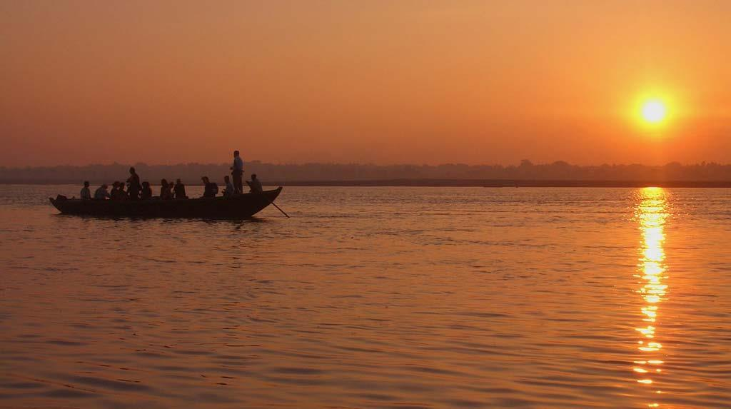 boat-ride-in-ganges-river-at-evening