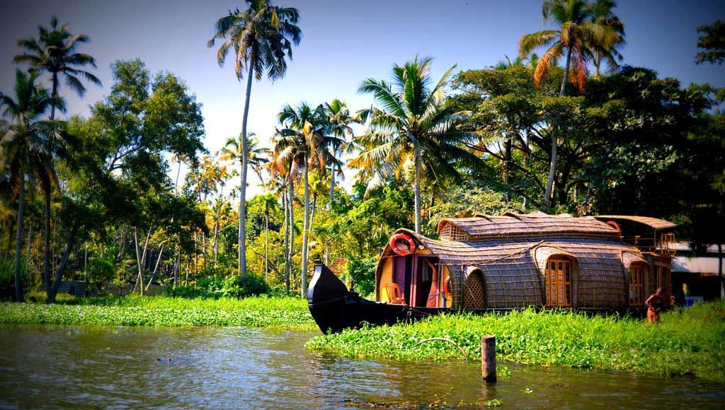 reliable travel agencies in kerala