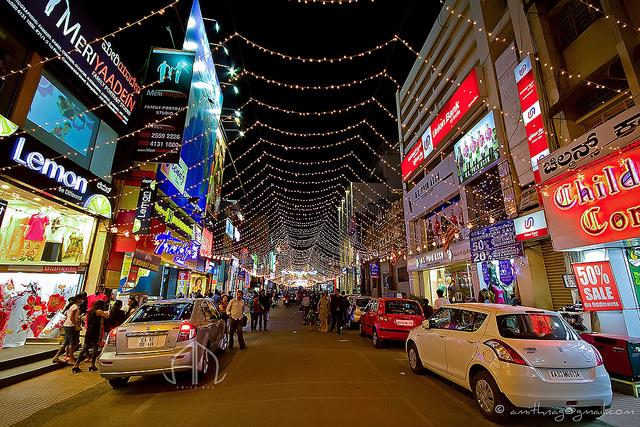 5 Street Shopping Destinations for Shopaholics in Bangalore