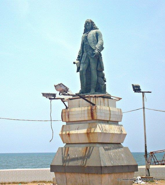 statue of dupleix pondicherry
