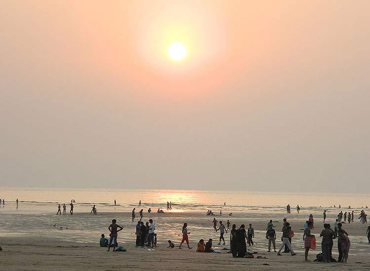 Beaches in Maharashtra-Juhu-beach