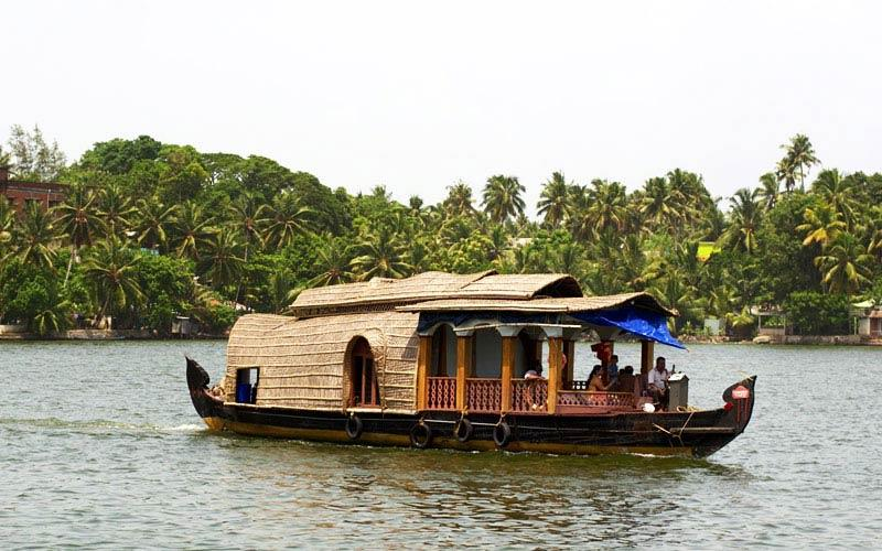 kollam-backwaters in kerala