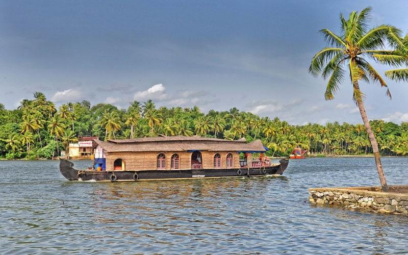 Ashtamudi-backwaters in kerala