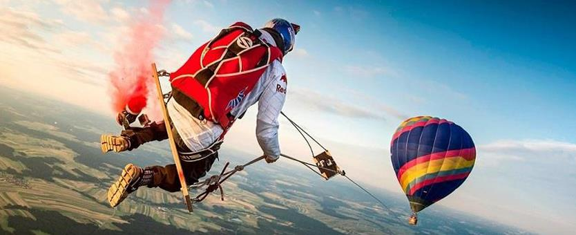 Sky Diving-Tourist Attractions in Byron Bay