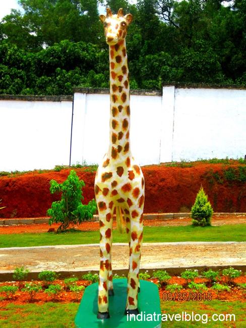 Giraffe statue in Science park