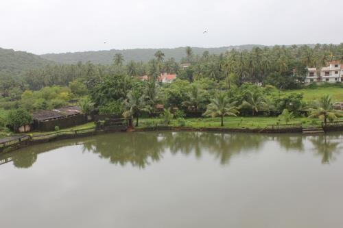Large, natural lake in the Maizons Lakeview Resort