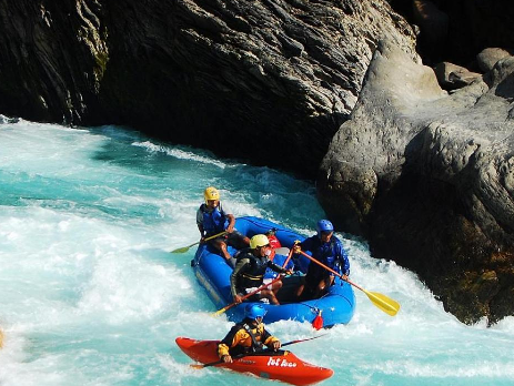 River rafting sites in India