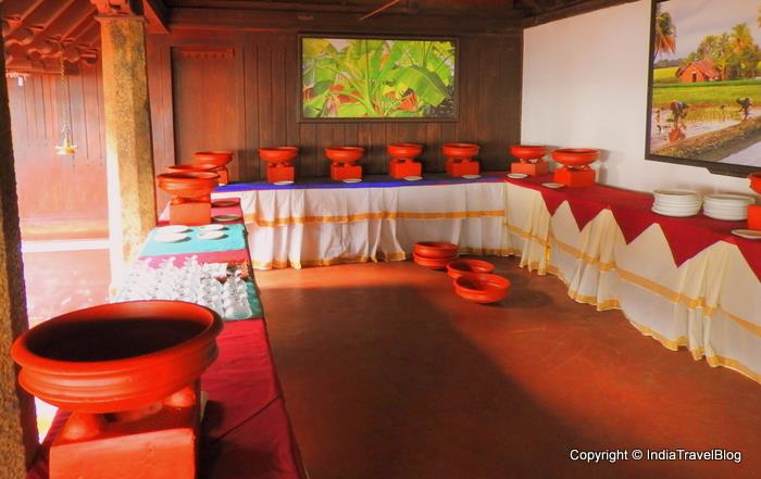 Soma Kerala Palace Restaurant: Food served in clay pots