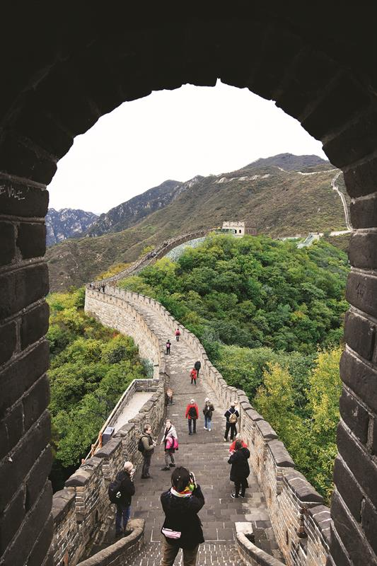 Great Wall of China- Save money while travelling Abroad