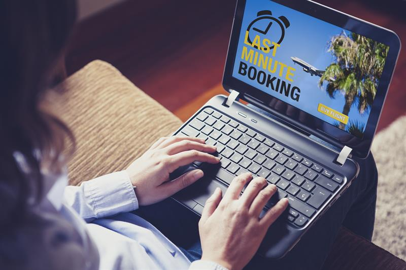 How to Setup Flight Price Alerts for Getting Best Flight Deals